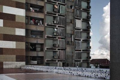Guy Tillim - Apartment Building, Beira, Mozambique 2007