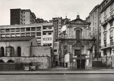 Thomas Struth. Via Medina, Naples. 1988